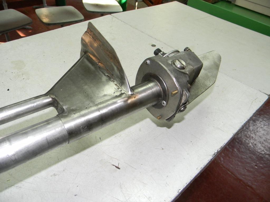 Лодочный мотор из кустореза