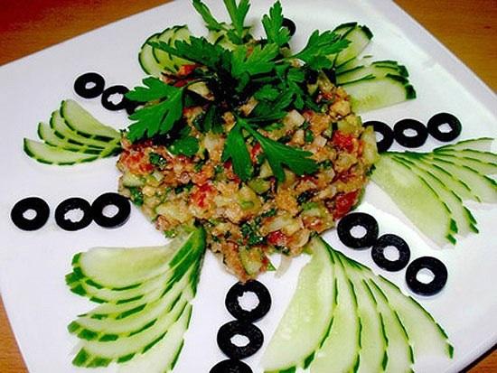 Красивое оформление салатов с фотографиями