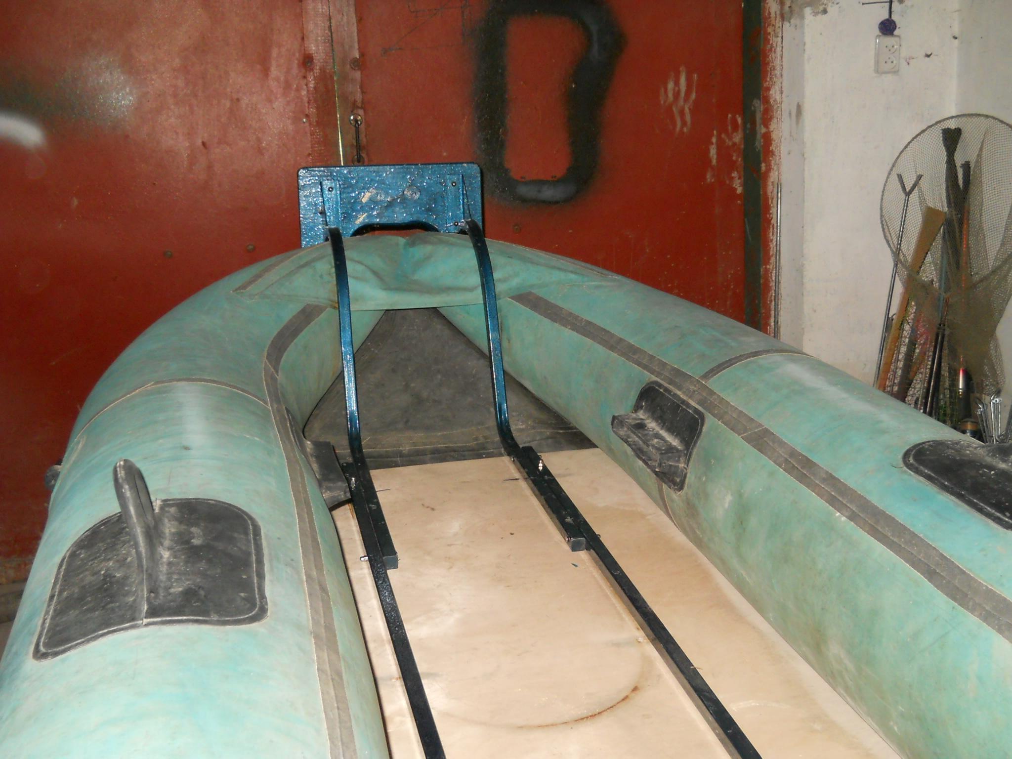 Как сделать дно на резиновой лодке 805